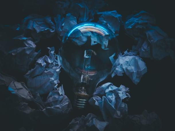 bulb-crumpled-paper-dark-323933